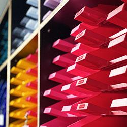 Papírnictví plné barev.